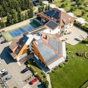 Foto Hotel Horal Rožnov Pod Radhoštěm